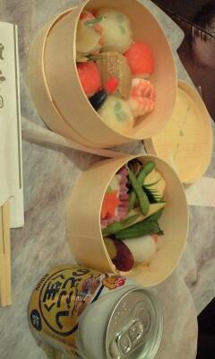 Photos: パトラッシュぼくはつかれたよ…。なので今晩は京都的な弁当(手鞠寿...