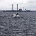Photos: 神奈川県警の「はこね」が港をパトロール