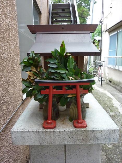 稲荷社(台東区池之端) 6