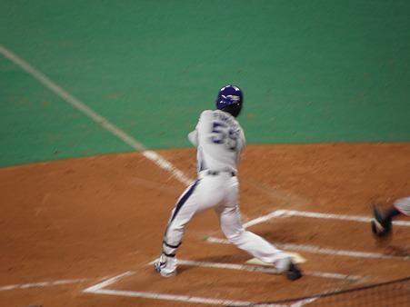 044 1塁への内野フライでした