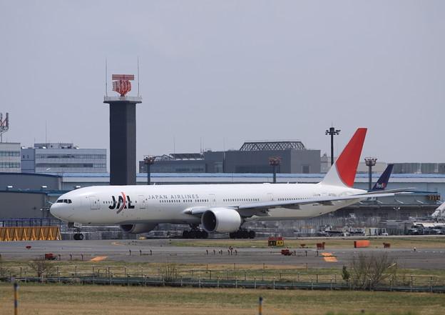 Narita International Airport JAL 777-300ER