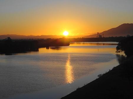 筑後川の日の出