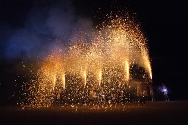 Photos: 樫山の手筒花火
