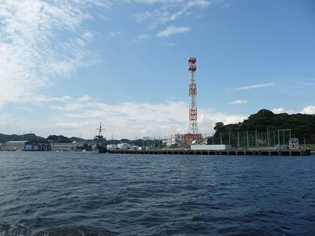 101008-よこすか軍港めぐり (49)