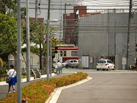 神奈川新町の踏切