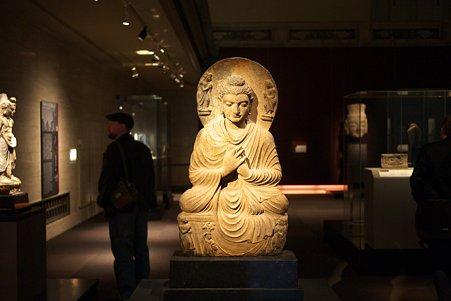 2010.11.15 東京国立博物館 仏像の道-インドから日本へ 如来坐像 パキスタン・ガンダーラ