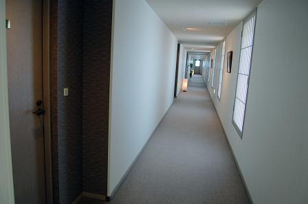 客室前廊下