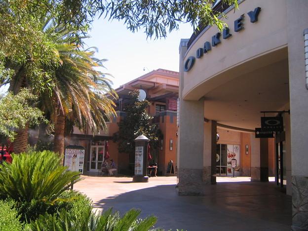 Oakley - Town Square 6-19-11 1451